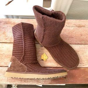 Ugg deep brown chunky crochet knit sweater boots